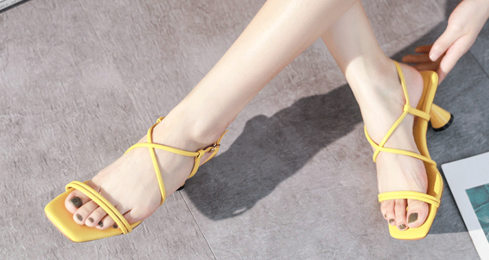 4 mẫu giày cao gót đế thấp hot nhất mùa thu năm nay